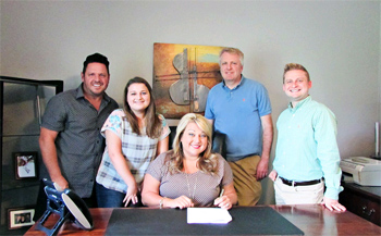 Bowling Family signs with Daywind Records